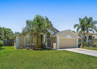 Jensen Beach Single Family Home For Sale: 736 NW Waterlily Place