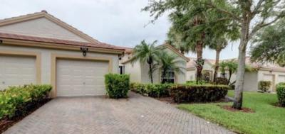 Delray Beach Single Family Home For Sale: 7754 Coral Lake Drive