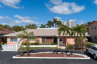 Palm Beach Shores Single Family Home For Sale: 115 Cascade Lane