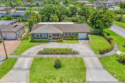 West Palm Beach Single Family Home For Sale: 2736 Meadow Road