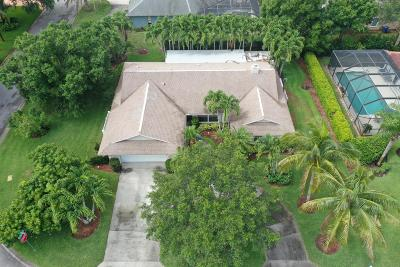 Single Family Home For Sale: 165 Forest Cay