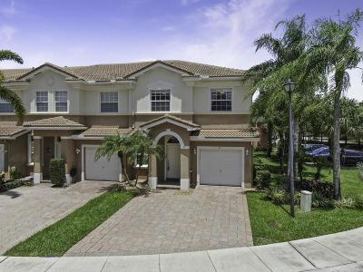 Delray Beach Townhouse For Sale: 81 Legacy Court
