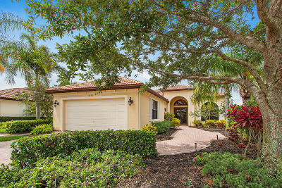 West Palm Beach Single Family Home For Sale: 6773 Sparrow Hawk Drive