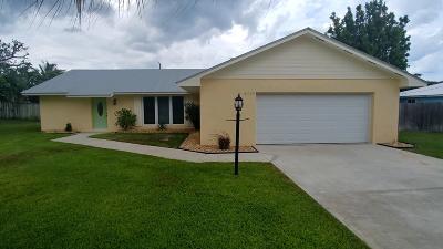 Hobe Sound Single Family Home For Sale: 8015 SE Palm Street