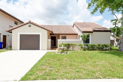 Deerfield Beach Single Family Home For Sale: 45 Columbia Court