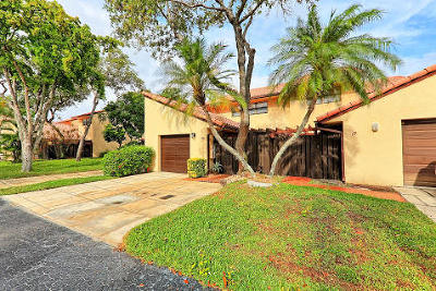 Boca Raton Townhouse For Sale: 6850 NW 2nd Avenue