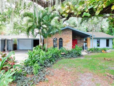 Single Family Home For Sale: 3213 Live Oak Lane