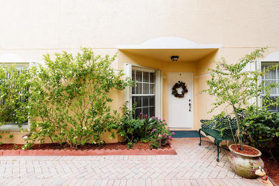 West Palm Beach Single Family Home For Sale: 9324 Swansea Lane
