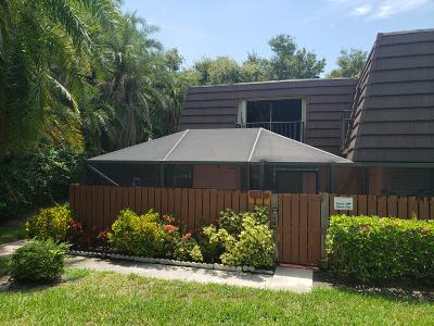 West Palm Beach Townhouse For Sale: 7317 73rd Way