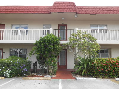 Delray Beach Condo For Sale: 21 Abbey Lane #106