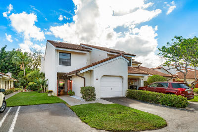 West Palm Beach Townhouse For Sale: 1800 Embassy Drive #110