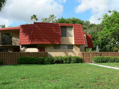 Boca Raton Townhouse For Sale: 8135 Severn Drive #B