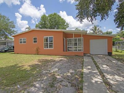 Port Saint Lucie Single Family Home For Sale: 156 SE Prima Vista Boulevard