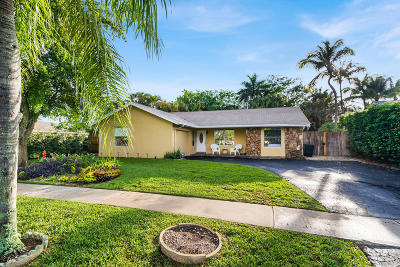 Boca Raton Single Family Home For Sale: 19667 Delaware Circle