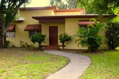 Fort Pierce Single Family Home For Sale: 3022 Sunrise Boulevard