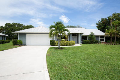 Hobe Sound Single Family Home For Sale: 10400 SE Jupiter Narrows Drive