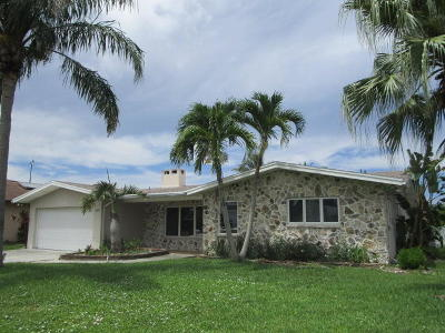 St Lucie County Single Family Home For Sale: 1225 SE Coral Reef Street