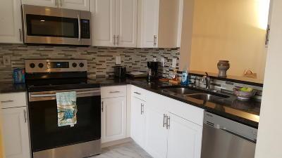 Delray Beach FL Condo For Sale: $225,000
