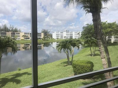 West Palm Beach Condo For Sale: 212 Wellington B