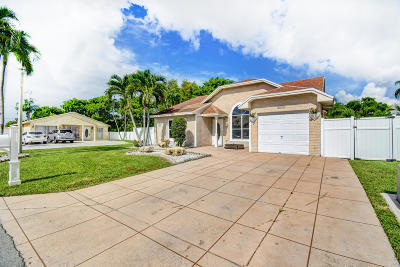 Boca Raton Single Family Home For Sale: 8192 Scenic Turn