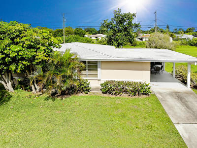 Port Saint Lucie Single Family Home For Sale: 880 SW Airoso Boulevard