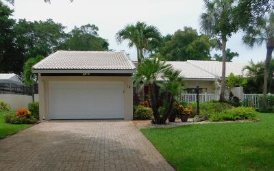 Palm Beach County Single Family Home For Sale: 18 Villa Lane