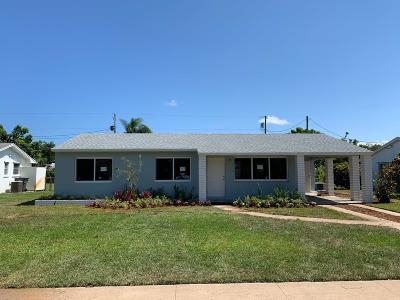 Palm Beach County Single Family Home For Sale: 444 Hawthorne Drive