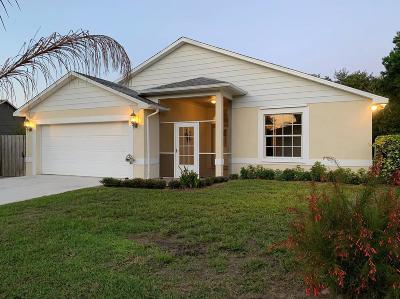 Port Saint Lucie Single Family Home For Sale: 1925 Cranberry