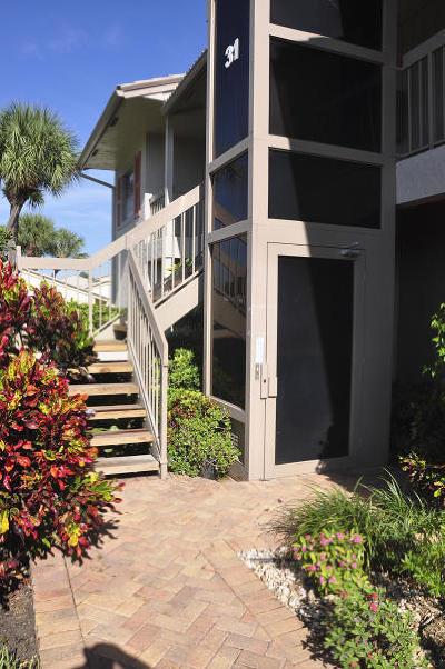Boynton Beach Condo For Sale: 31 Eastgate Drive #B