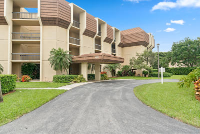 Palm Beach Gardens Condo For Sale: 5390 Woodland Lakes Drive #303