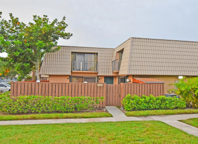 West Palm Beach Townhouse For Sale: 5108 51st Way