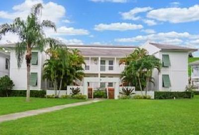 Palm Beach Gardens Condo For Sale: 179 Cypress Point Drive