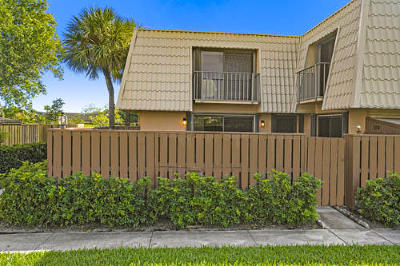 West Palm Beach Townhouse For Sale: 6516 65th Way