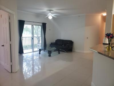 Royal Palm Beach Condo For Sale: 340 Crestwood Circle #204