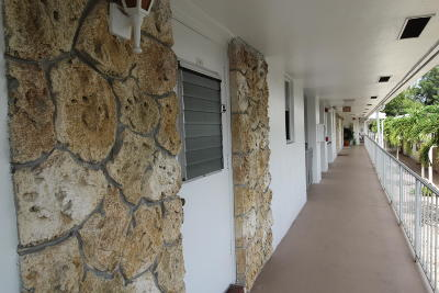 Pompano Beach Condo For Sale: 2501 W Golf Boulevard #232