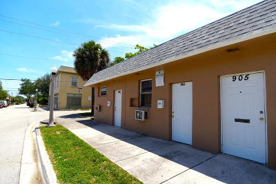 West Palm Beach Multi Family Home For Sale: 901 Sapodilla Avenue