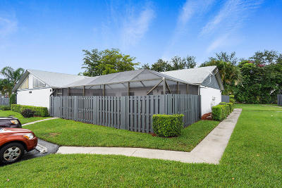 West Palm Beach Single Family Home For Sale: 1218 Shibumy Circle #D