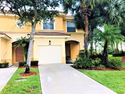 Royal Palm Beach Townhouse For Sale: 287 River Bluff Lane