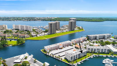North Palm Beach Condo For Sale: 21 Yacht Club Drive #403
