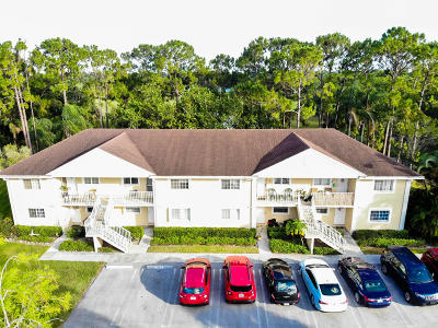 Royal Palm Beach Condo For Sale: 2004 Palm Beach Trace Drive
