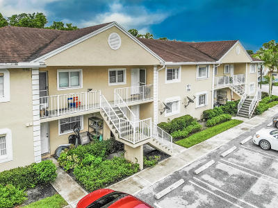 Royal Palm Beach Condo For Sale: 106 Palm Beach Trace Drive