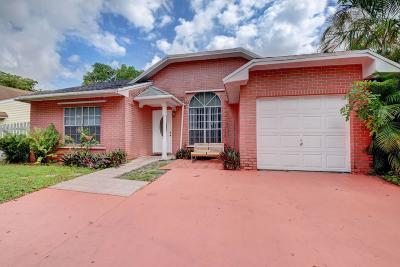 Pembroke Pines Single Family Home For Sale: 8607 SW 14 Street