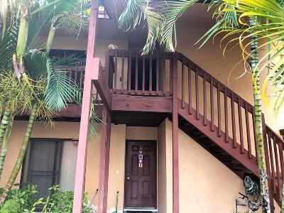 Royal Palm Beach Condo For Sale: 206 Lakeview Drive E