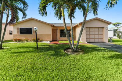 Lake Worth Single Family Home For Sale: 7406 Pine Forest Circle W