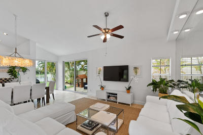 West Palm Beach Single Family Home For Sale: 9246 Heathridge Drive