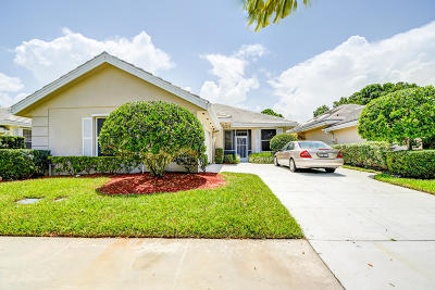 Port Saint Lucie Single Family Home For Sale: 176 NW Bentley Circle