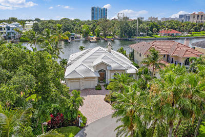 North Palm Beach Single Family Home For Sale: 701 Harbour Point Drive