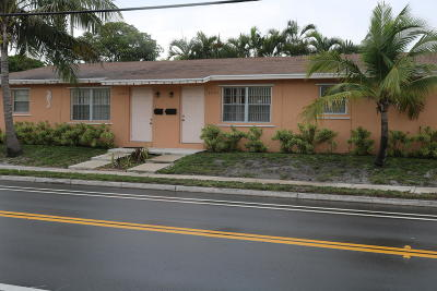 West Palm Beach Multi Family Home For Sale: 4401 Lake Avenue