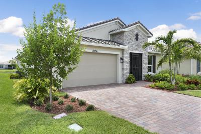 St Lucie County Single Family Home For Sale: 10286 SW Coral Tree Circle