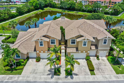 West Palm Beach Townhouse For Sale: 477 Pacific Grove Drive #2